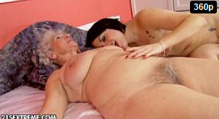 Amor lésbico, Mujer vieja y chica joven